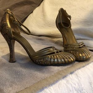 bebe retro dressy heels
